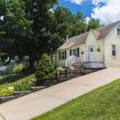 24 E 11th Ave, Runnemede, NJ 08078-$164,900